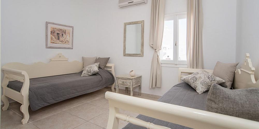 Santorini-Family-Suite-Private-Balcony-bedroom-1-1024×512