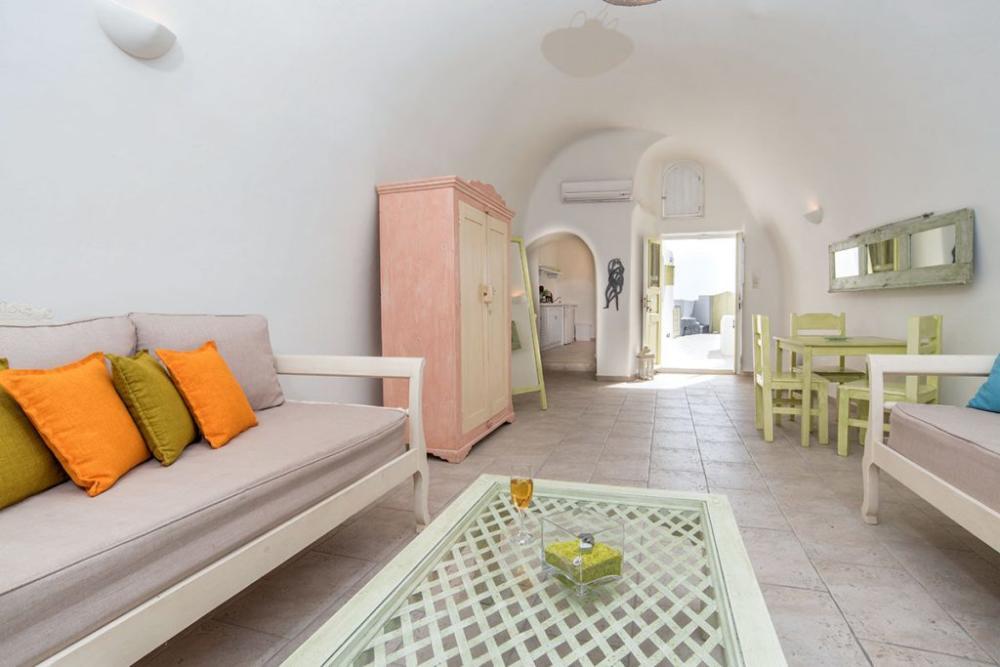 Santorini-Hideaway-Cave-House-10-1024×683