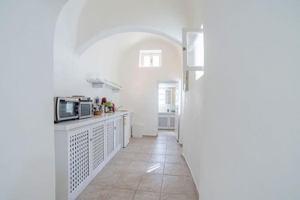 Santorini-Hideaway-Cave-House-13-1024×683